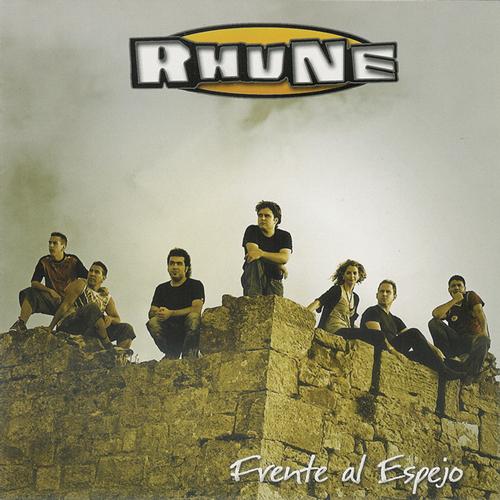 2005-RHUNE- Frente al espejo